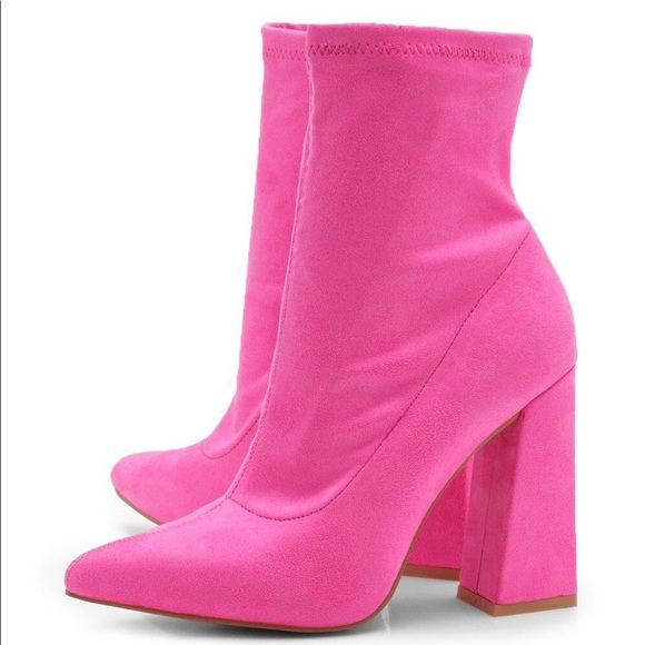 d568e655d66 Boohoo Shoes - Pink suede chunky heeled booties
